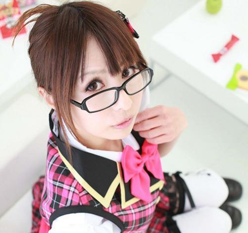 性感眼镜萌妹樱井南 告诉你「戴眼镜才懂的15件事」
