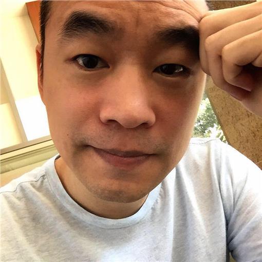黃立成/臉書