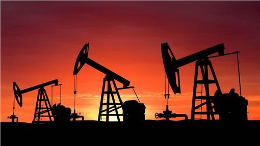 石油提煉(圖/翻攝自Twitter)