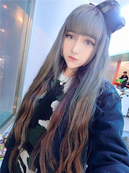 松崎敏葵剪過腰浪漫長髮 洋娃娃搖身一變粉絲封女神