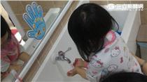 ▲勤洗手預防腸病毒(圖/台中市衛生局)
