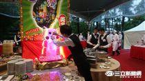 國慶酒會看板誤植香港街景(圖/記者林敬旻攝)