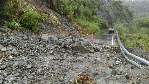 瑞港公路坍方,奇美國小營養午餐送不到(圖/中央社)