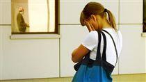 英國研究指出,考試壓力、青春痘和氣喘是兒童與青少年的主要壓力來源。(圖/Flikr CC授權/作者Alexander Lyubavin/http://bit.ly/2gdP3vq)