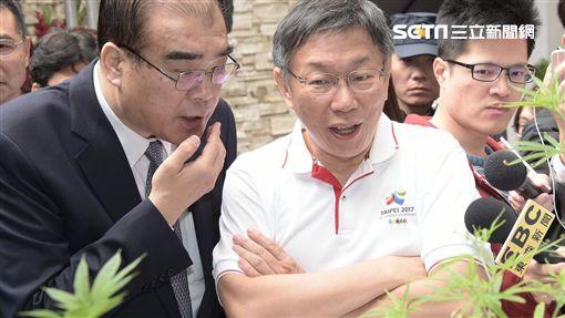 柯文哲與警察局長邱豐光 北市府提供