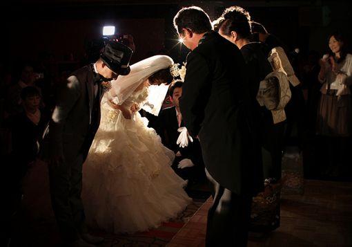 ▲英國研究指出,籌備婚禮男性壓力大於女性。(圖/Flikr CC授權/原作者MIKI Yoshihito/網址http://bit.ly/2gBcdZZ)