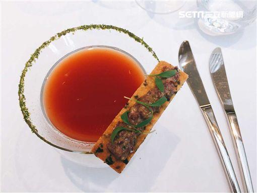 西班牙型男主廚Andreu Genestra客座台北花園大酒店。(圖/記者簡佑庭攝)
