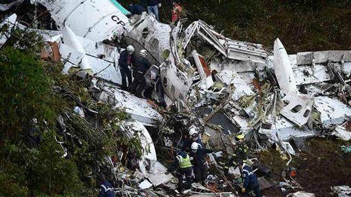 載巴西足球隊客機墜毀(圖/翻攝自Twitter)