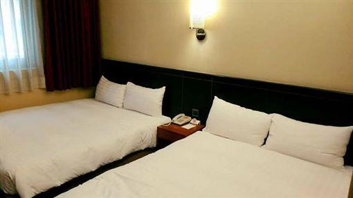 雙床房,飯店,旅館 圖/翻攝自爆料公社