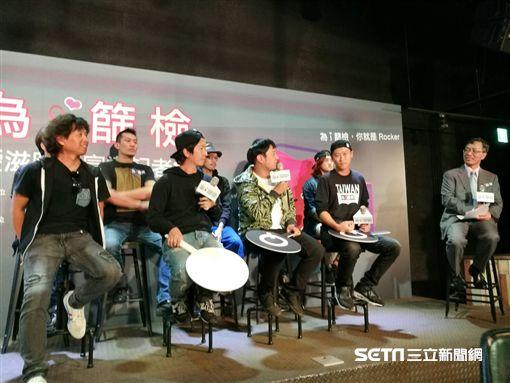 ▲台大醫院感染科主治醫師洪健清(右)說,只要發生過性行為的民眾,都應該接受HIV篩檢。(圖/楊晴雯攝)