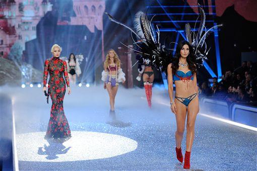 2016-維多利亞的秘密-Victoria Secret-內衣秀-Lady Gaga and Lily Aldridge▲圖/美聯社/達志影像