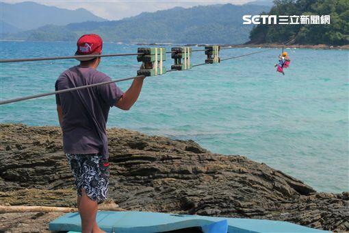 菲律賓巴拉望海上溜索。(圖/記者簡佑庭攝) ID-746561