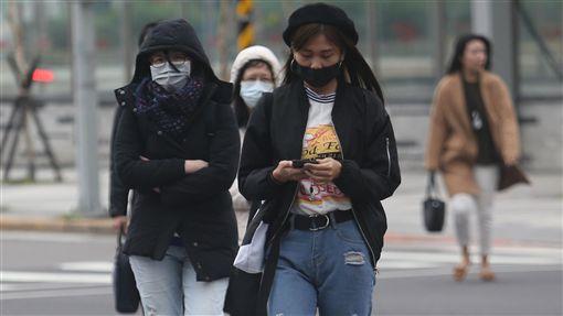 天氣,寒流,寒冷,冬天,大衣,低溫圖/中央社