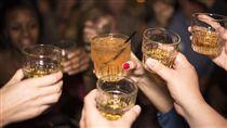 喝酒,敬酒,派對,尾牙,狂歡(圖/Pixabay)