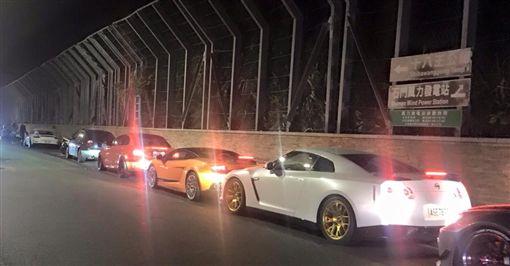 羅百吉開名車載辣妹 石門封路飆車競速吃罰單、吊銷駕照