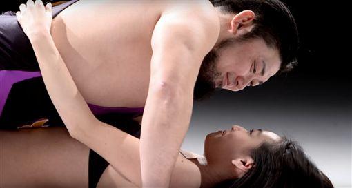 愛愛,摔角,永井坦克,AV,女優,間宮夕貴,保險套,日本 圖/YouTubehttps://goo.gl/9n3Fj3