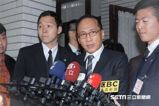 立法院第九屆第二會期臨時會結束,行政院長林全前往議場致意 圖/記者林敬旻攝