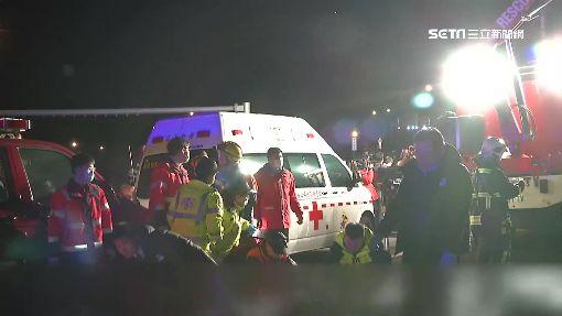賞櫻團搶救現場「路燈全熄」 消防:是探照燈