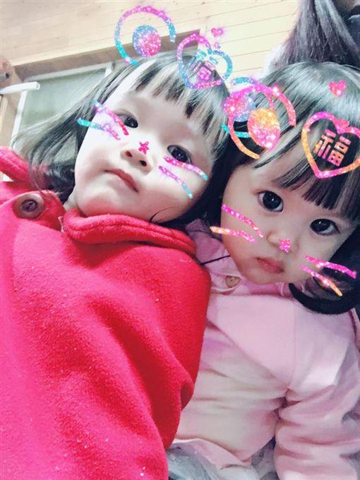 范崴崴與兩個女兒圖翻攝自范崴崴臉書https://www.facebook.com/profile.php?id=100000357182988