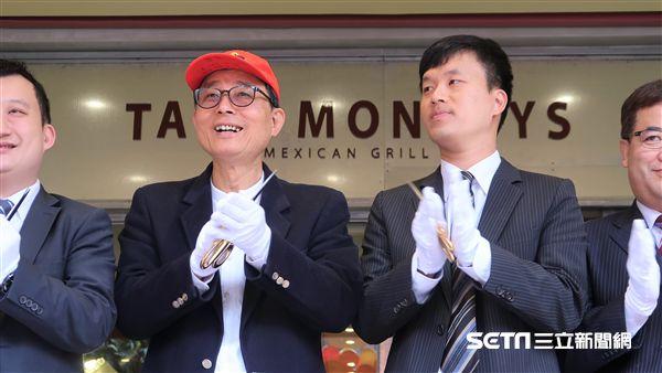 La new董事長劉保佑、桃猿球團領隊劉玠廷(圖/記者王怡翔攝)