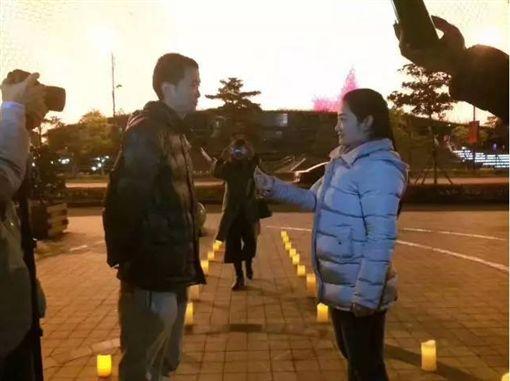 陸女包下近千台計程車 向男友求婚/翻攝自錢江晚報