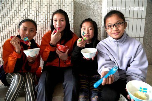 一杯乾淨水邁健康教育全面發展 偏鄉童沒看過爆米花… (圖/台灣世界展望會)