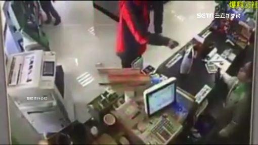 """惡甩熱咖啡嗆超商店員 男辯""""不小心手滑"""""""