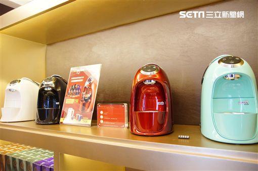 黑金商機夯 伯朗膠囊咖啡精品體驗館免費試喝(圖/李鴻典)