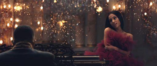 美女與野獸,亞莉安娜,Ariana Grande,圖/環球提供