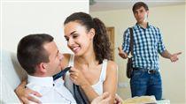 ▲捉姦,外遇,CCR,ㄈㄈ尺,洋腸(情境示意圖/Shutterstock)