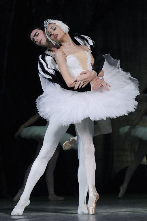 芭蕾舞「天鵝湖」表演中的一幕。(圖/翻攝自wiki) ID-860380