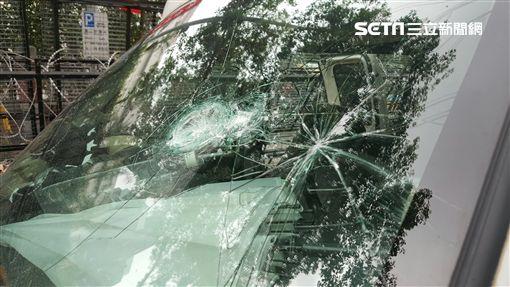 sng車被砸毀(新聞台拍攝)