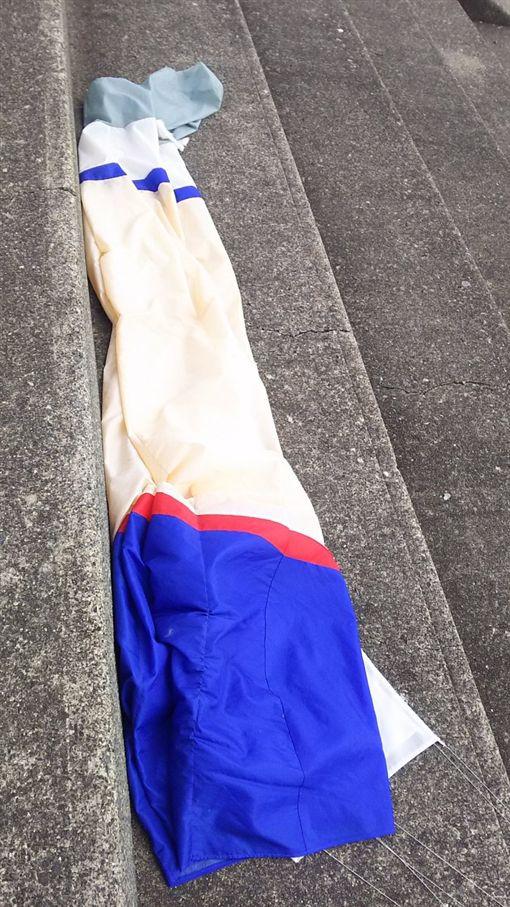 風箏,美腿,日本,靜岡,千本濱公園/翻攝自遠野真秀twitter