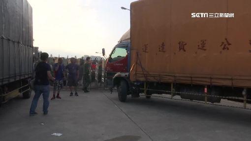 送貨途中心肌梗塞 貨車直撞軍營大門