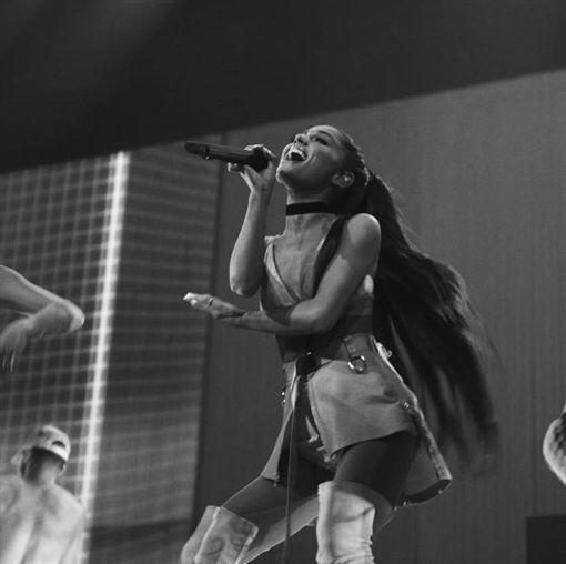 亞莉安娜,Ariana Grande,登台,演唱會,小巨蛋,巡迴,瑪麗亞凱莉,來台(圖/翻攝自亞莉安娜臉書)