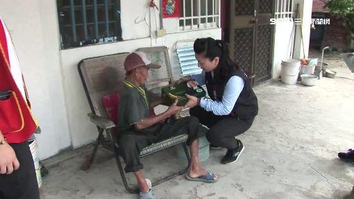 新鈔捐助「斷鈔伯」 翁燒香盼媽祖保祐善心人
