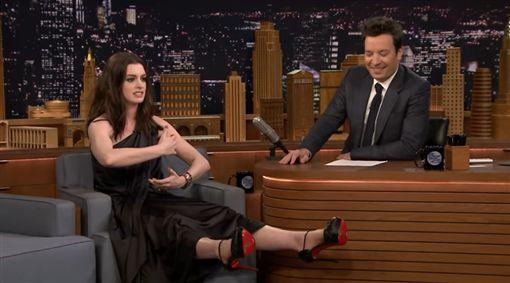 安海瑟薇Anne Hathaway 圖/翻攝自YouTube