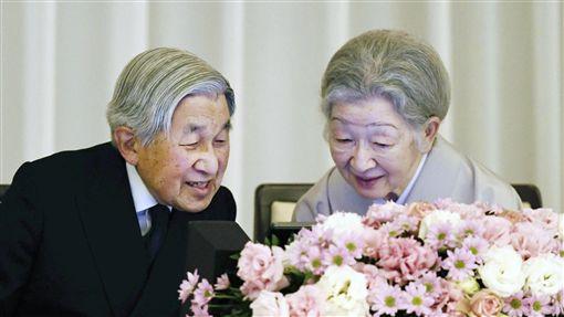日本皇室,日本天皇,明仁天皇,美智子皇后(圖/美聯社/達志影像)