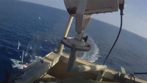 索馬利亞,海盜,貨輪,槍戰(圖/翻攝自YouTube) ID-886289