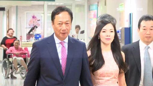 首富之妻曾馨瑩登雜誌封面 展現高衣Q