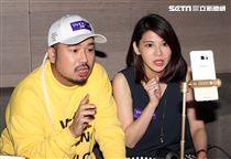 藝人阿達、網紅陳小藍直播PK較勁搶「拍賣直播王」。(記者邱榮吉/攝影)