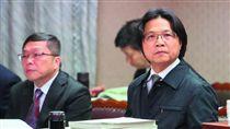 內政部長葉俊榮(右)為了處理張藥房重建問題,內部成立專案小組。攝影/新新聞柯承惠