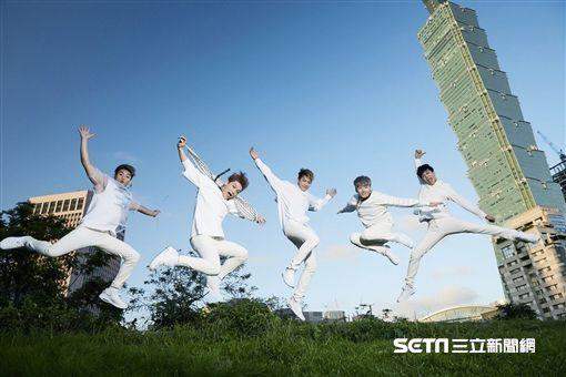台灣男團TOP1將發行出道作品「我的愛」寫真迷你專輯 圖/傳奇星提供
