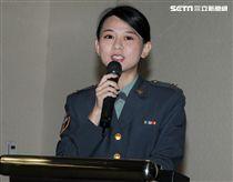 楊媛鈞中尉是國防部政戰局二處文宣心戰處正妹。(記者邱榮吉/攝影)