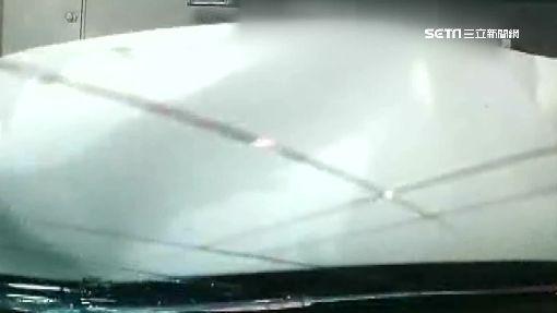 超車失控撞違停 BMW成廢鐵貨車挨罰