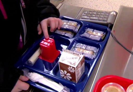 營養午餐,午餐,學校,美國,西雅圖,暖爸,父親,爸爸,愛心,募資,募款,貧窮,嘲笑,霸凌,Jeffery Lew-翻攝自ABC news
