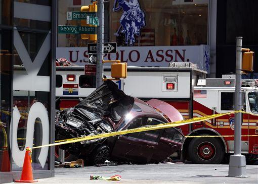 紐約時代廣場汽車衝撞事件(圖/美聯社/達志影像)