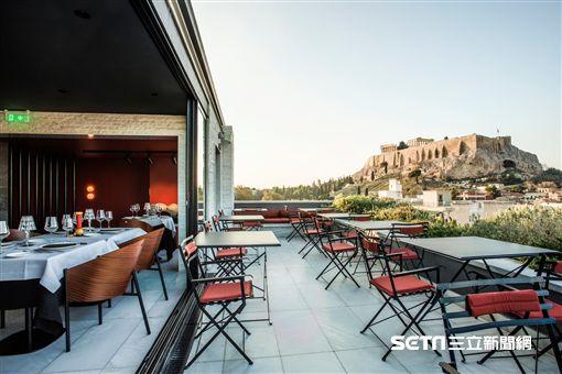 獨享全球7大美景旅館。(圖/booking.com提供)
