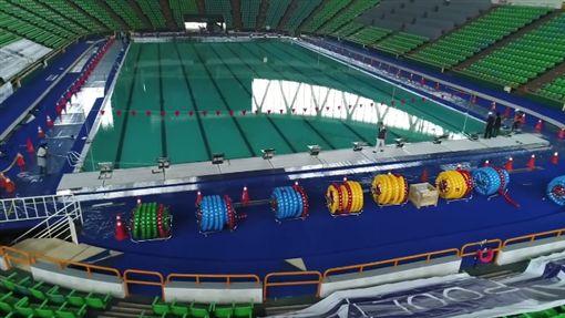世大運活動式游泳池(圖/翻攝柯文哲臉書)