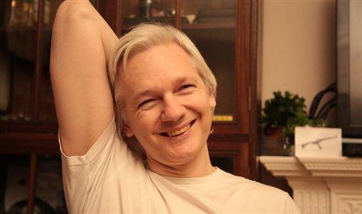 亞桑傑(Julian Assange)(圖/翻攝自Julian Assange Twitter)